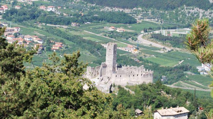 (User:Alma), Burg Drena Trentino 2009, CC BY-SA 3.0