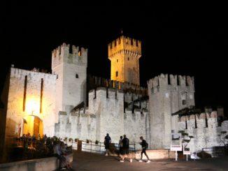 Abends in der Altstadt von Sirmione bummeln