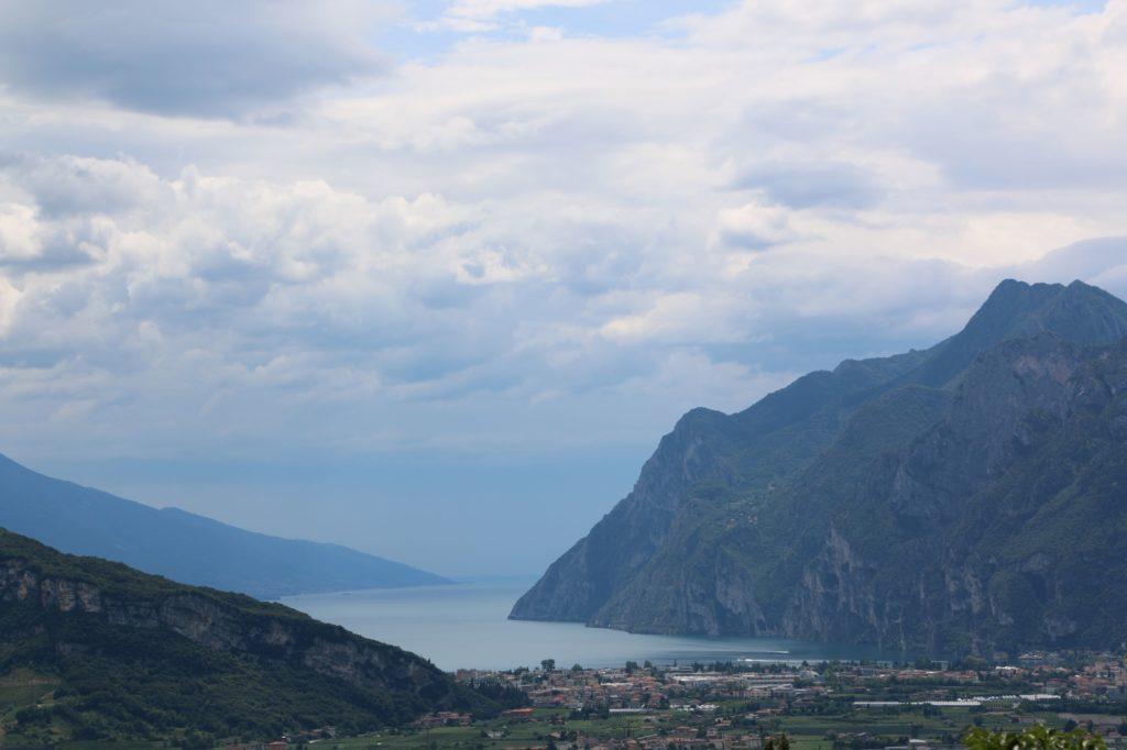 Riva del Garda vom Monte Colodri aus gesehen