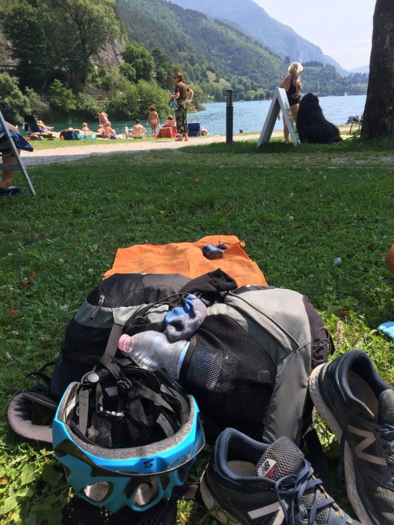 Pause am Ledrosee auf dem Weg zum Tremalzo Pass